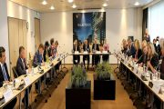 الملك يلتقي مجموعة من قادة الأعمال وممثلي كبريات الشركات في هولندا
